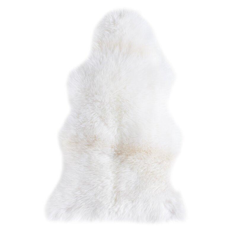 scandinavian rugs - sheepskin