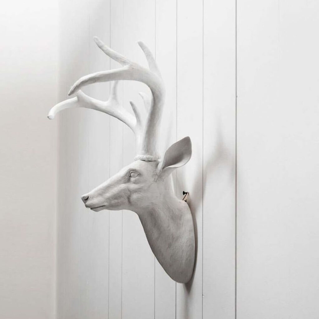 Forest themed living room - stag on the wall